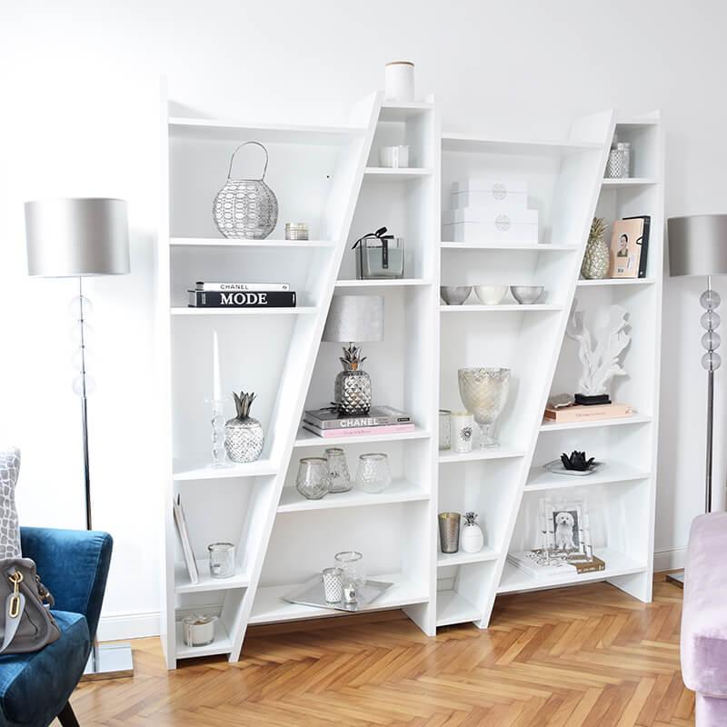 modernes Bücherregal weiß