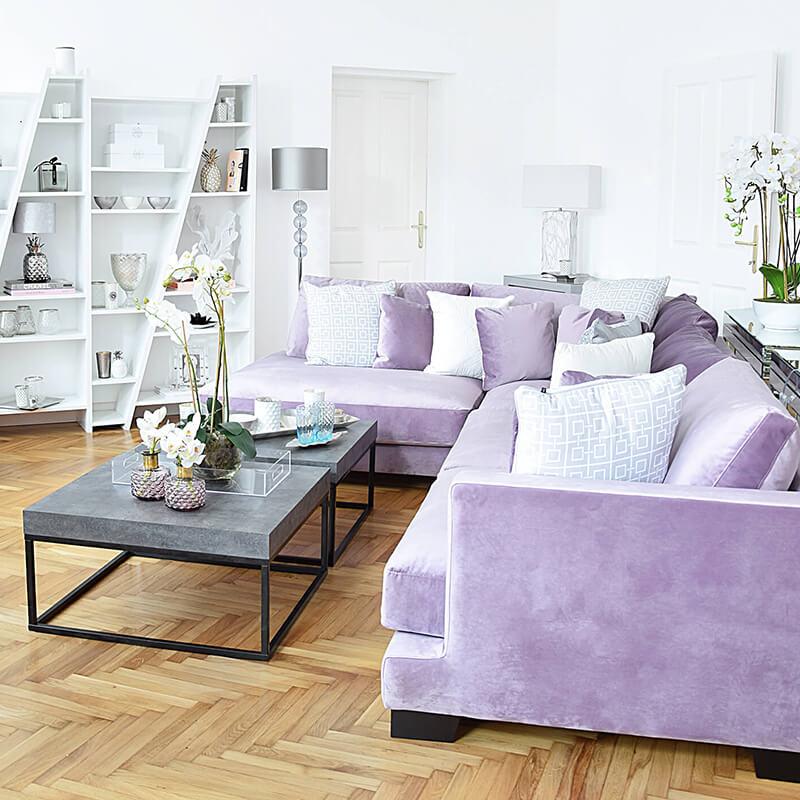 Purple Velvet Dream: Das Samtecksofa