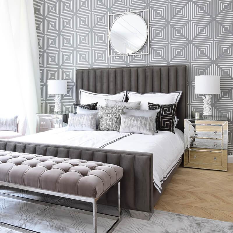 Bedroom Goals! Graues Samtbett & edle Kissen