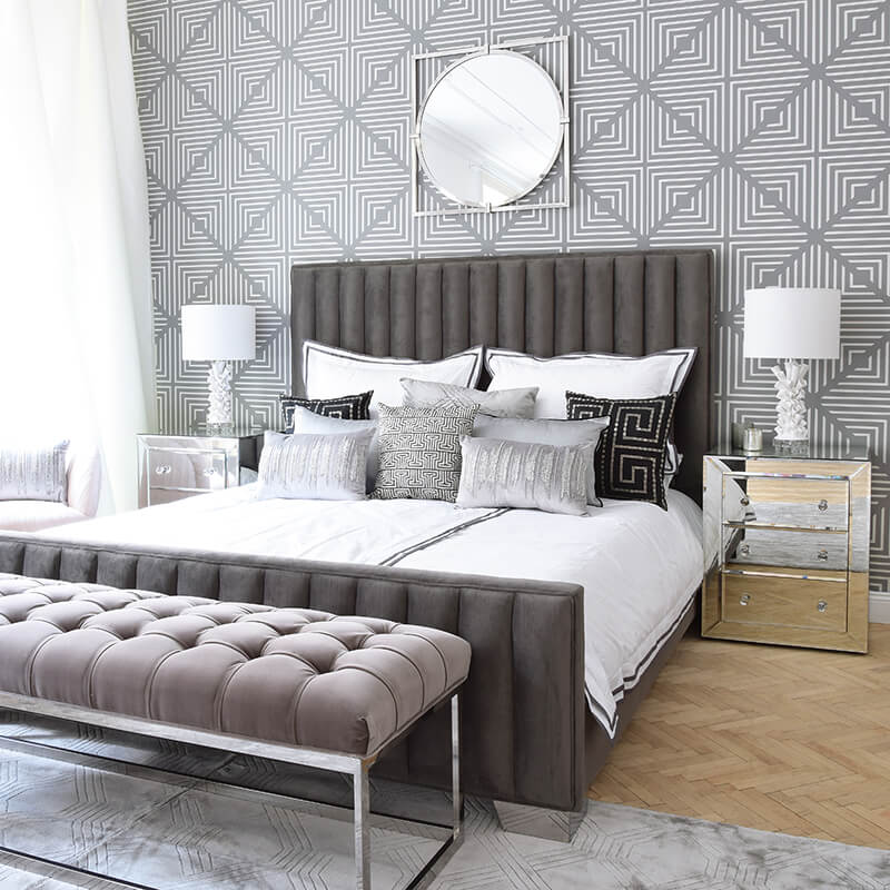 Bedroom Goals! Traumhaftes Samtbett & stylishe Kissen