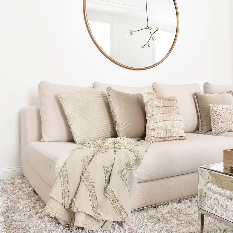 Cozy Corner: Sofa Deko in Naturfarben