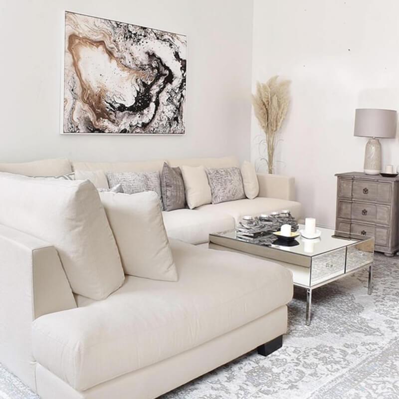 Video Living Room Impressions: Wohnzimmer in hellen Farben
