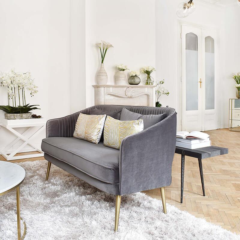 Mini Samt Sofa- The Stylish Solution