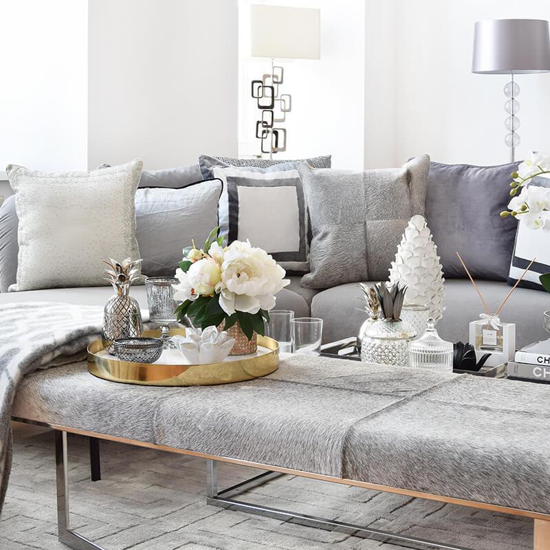 Livingroom-Love: Silbergraue Wohnaccessoires