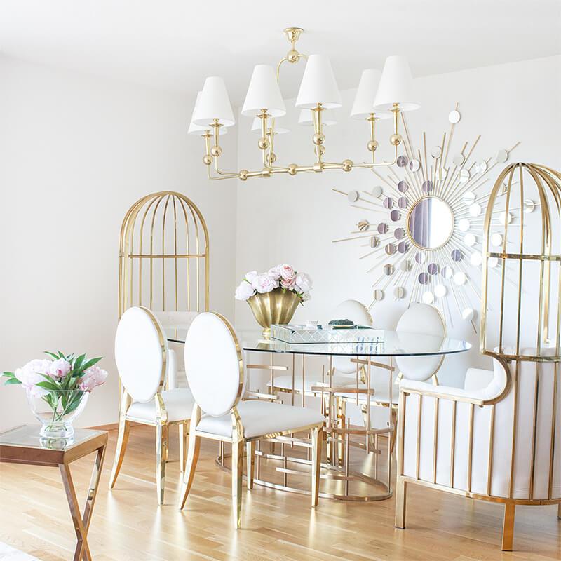 Luxuriöser Essbereich in Gold & Creme