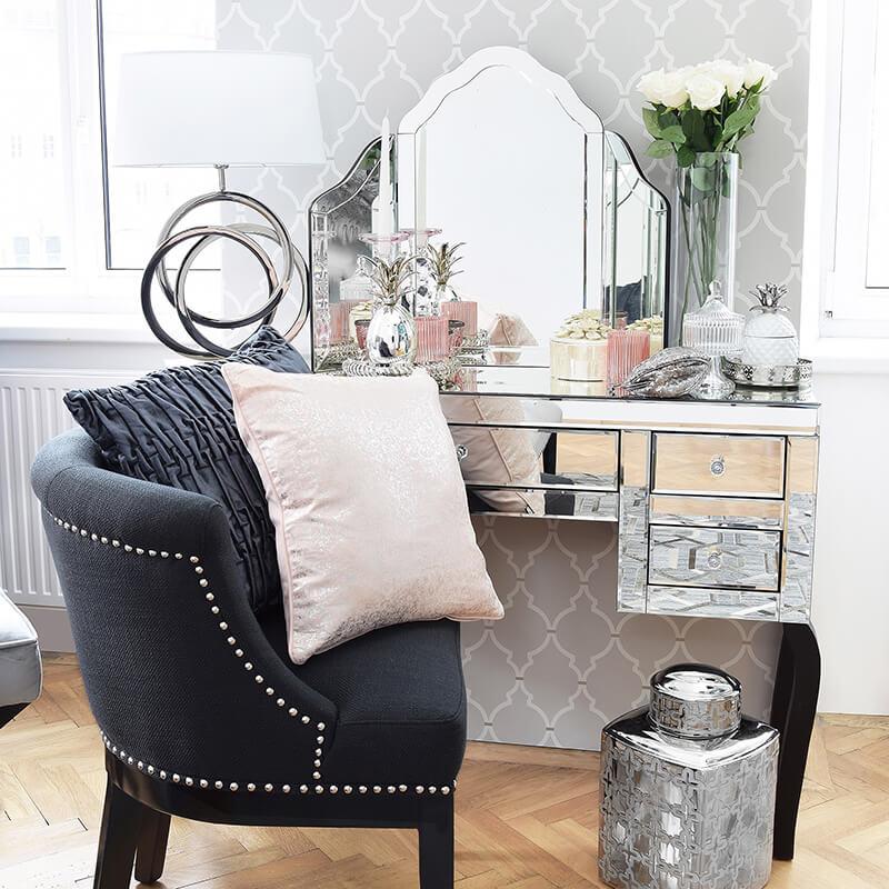Master-Bedroom: Glamouröse Schmink-Oase