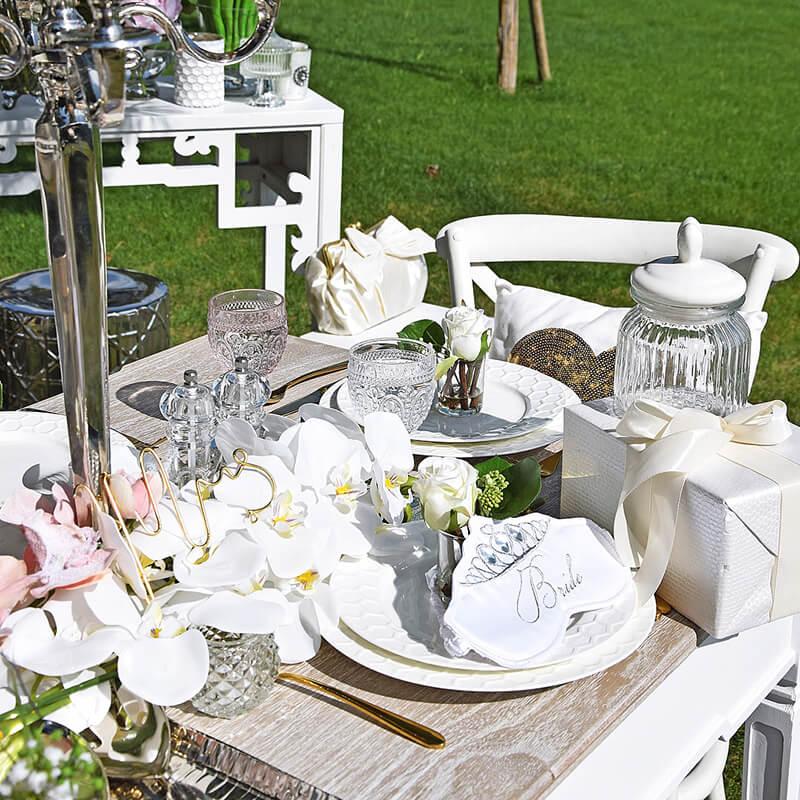 Traumhafte Tischdeko im Hochzeitslook