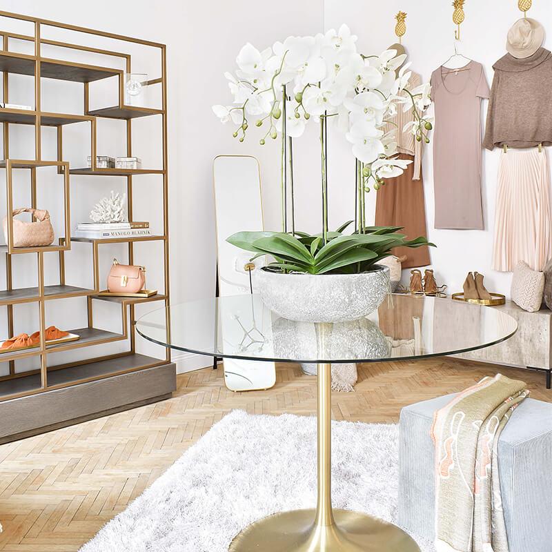Ankleidezimmer Luxus Update: Kunstblumen