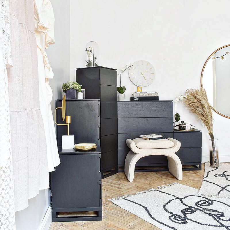 New Look: Minimalist Dressing Room