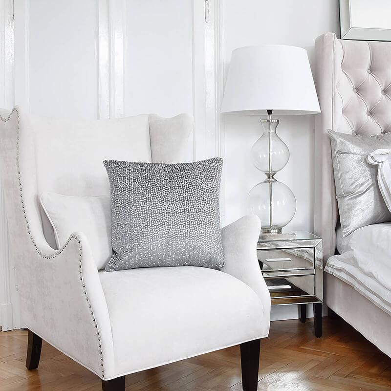 Strahlend weißes Traum-Schlafzimmer