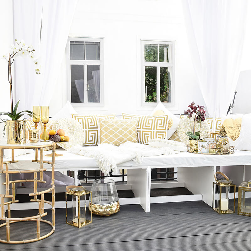stylische Chill Out Area in gold