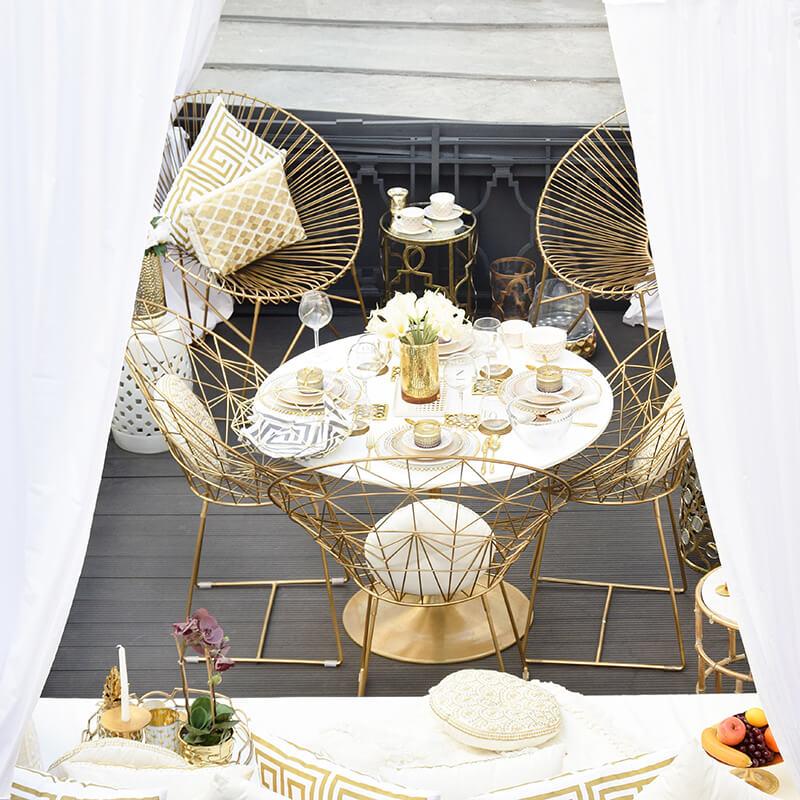 Glamorous Balkony! Balkon-Deko in Weiß & Gold