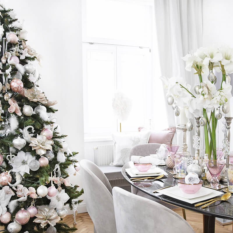 weihnachtliche Farbharmonie - Essbereich in Pudertönen