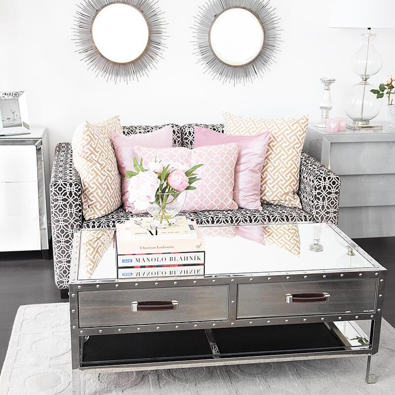 Wohnzimmer-Lounge in Rosa & Grau