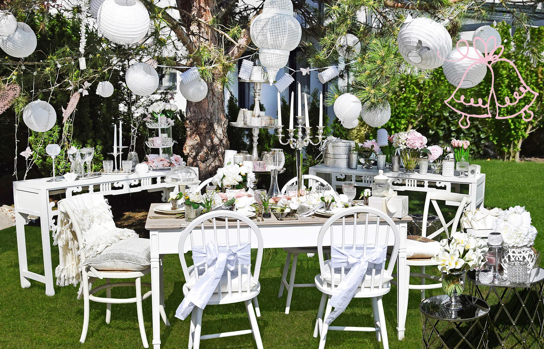 Gartenhochzeit in Weiß & Rosa