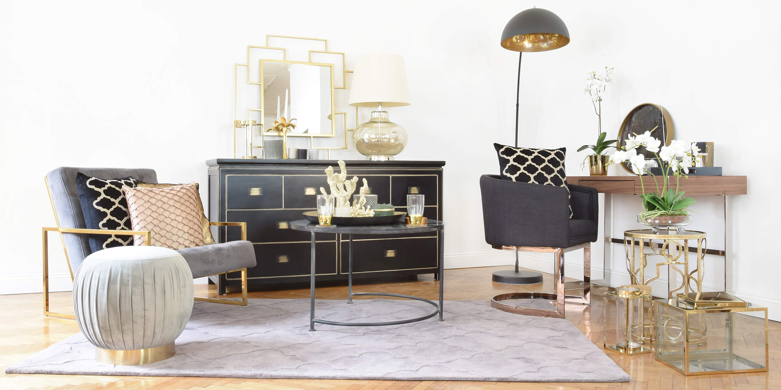 Get the Look: Home Office Elegance - Büro in Gold & Schwarz