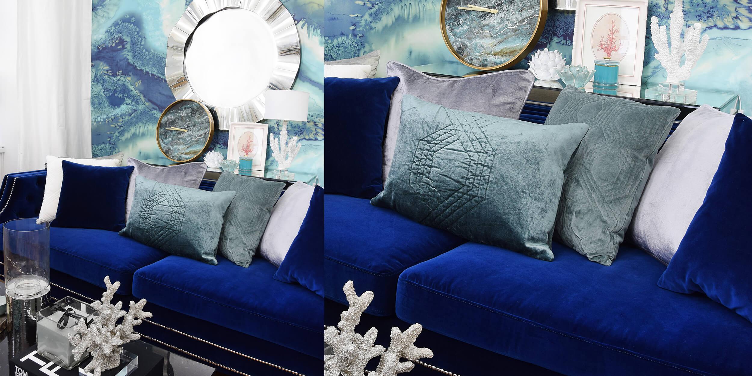 Samtsofa in königlichem Blau