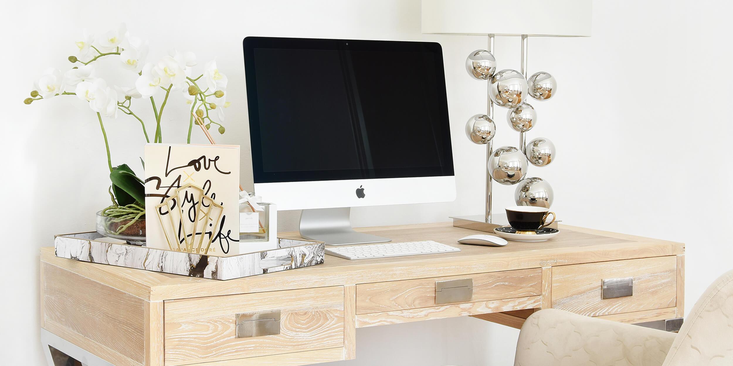 Schreibtisch perfekt gestylt :)