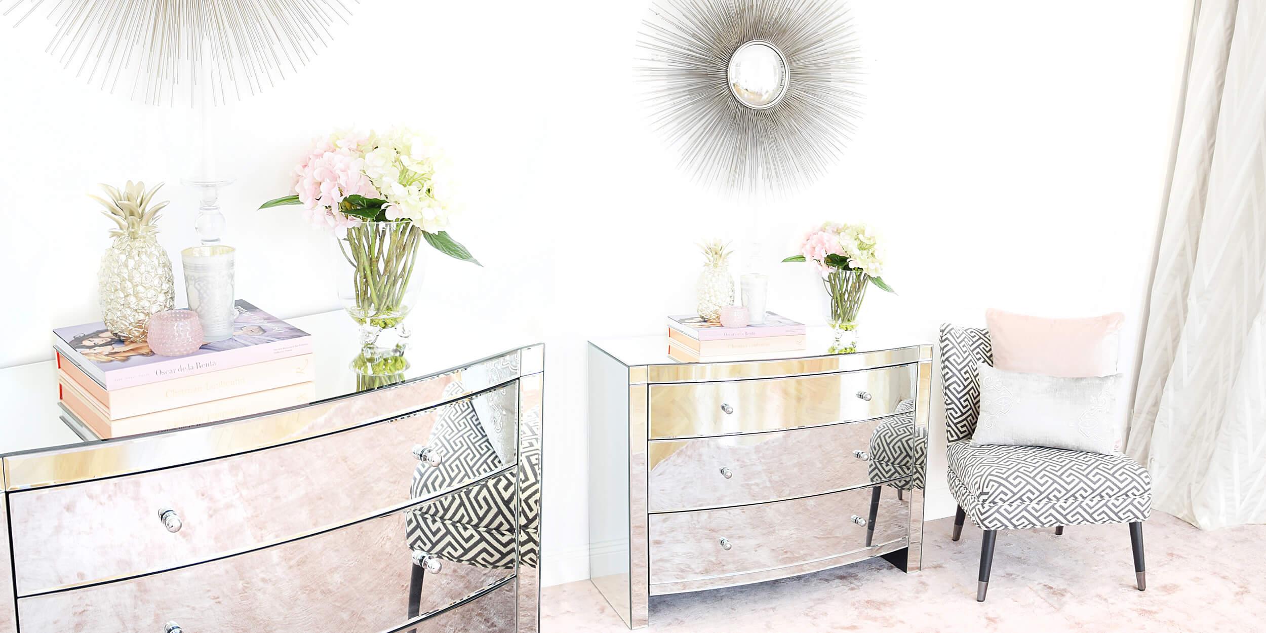 Verspiegelte Möbel