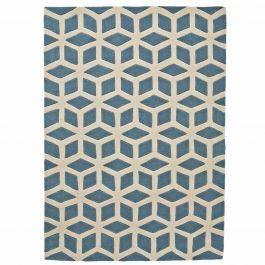 handgetufteter teppich aus acrylstoff mit spannendem geometrischen muster in blau und cremefarben. Black Bedroom Furniture Sets. Home Design Ideas
