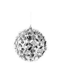 Weihnachtskugel aus vielen glänzenden Dekosteinen in Kristall-Optik