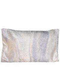 weiche Kissenhülle aus Samt in Marmor-Optik weiß & blaugrau