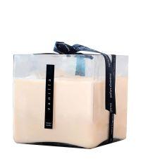 riesige cremefarbene Duftkerze Vanilla in quadratischem Glastopf