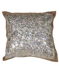 schimmernde Kissenhülle mit Pailletten & Perlen silber
