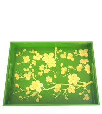 handbemaltes grünes Tablett mit gelben Kirschblüten