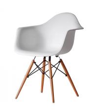 Armlehnsessel im Eames-Style aus Kunststoff mit Stativfuß weiß