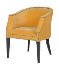senfgelber Armlehnsessel mit Chromnieten und schwarzen Holzfüßen, Samt-Sessel gelb, Esszimmerstuhl