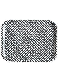 schwarz-weißes Tablett mit geometrischem Muster