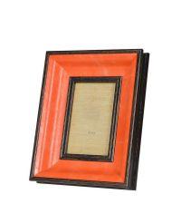 Bilderrahmen mit breitem orangen Rahmen aus Holz und dunkler Einfassung