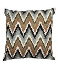 Kissenhülle mit Zickzack-Muster in Braun- und Grautönen verziert mit silbernen Glitzerperlen