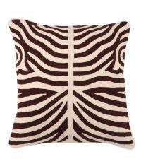 handbesticktes Baumwoll-Kissen mit Wolle in symmetrischem Zebra-Muster in braun/beige, Eichholtz