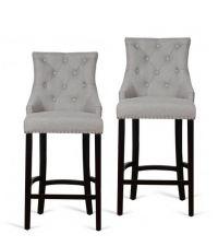 2er-Set Barstühle aus hellgrauem Stoffbezug mit Knopfheftung, Nietendetails und schwarzen Füßen
