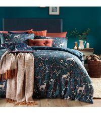 dunkelblaue Bettwäsche mit süßen Rehen & Blattprint