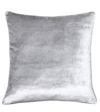 edel schimmernde Kissenhülle in silbernem Samtstoff 'Silver Velvet' by Saskiasbeautyblog
