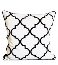 Dekokissenhülle Trellis aus weißer Baumwolle mit großem schwarzem Trellis-Muster
