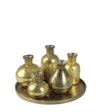 goldenes Tablett aus Aluminium mit 5 Glasvasen in Antik-Optik