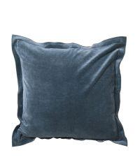 taubenblaue Kissenhülle mit abstehenden Rändern