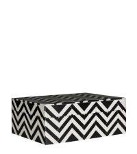 Schmuckdose mit Zick-Zack-Muster in schwarz & weiß