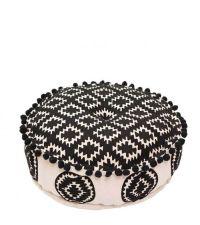 runder Pouf mit schwarzem Ethno Muster und Bommeln