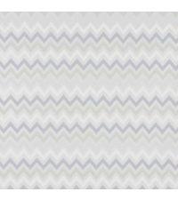 schimmernde Tapete mit kleinem Zick-Zack Muster, Hintergrund metallisch silber mit Farbverlauf weiß bis grau