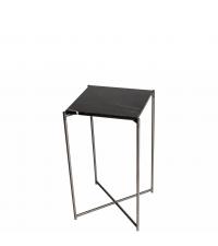 hoher Beistelltisch mit schwarzem Marmorfinish und anthrazit-farbenen gekreuzten Tischbeinen