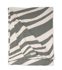 grau-weiße Decke aus Baumwolle mit Zebra-Muster