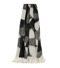 flauschig weiche Strickdecke mit abstrakter Musterung und Fransenrand, schwarz, grau & weiß