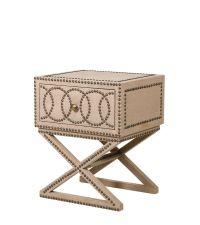 Nachttisch oder Beistelltisch mit Leinenbezug in beige & geometrischer Nietenverzierung