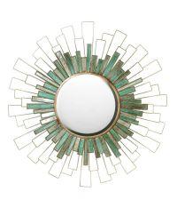 runder Wandspiegel mit grünen Plättchen in unterschiedlichen Schattierungen und goldenem Rahmen