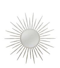 runder Wandspiegel mit silbernem Rahmen in Sonnenstrahlen-Optik